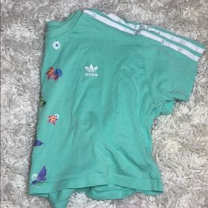 addidas cropped flower tee